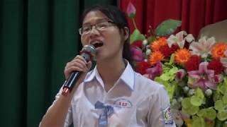 Nữ sinh Hà Tĩnh gây xúc động với ca khúc Màu hoa đỏ