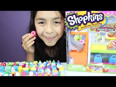 Shopkins Easy Squeezy Fruit  Playing with 100+Shopkins Collection|B2cutecupcakes