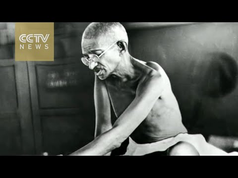 India pays homage on 67th anniversary of Gandhi's death