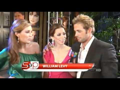 William Levy y Elizabeth Gutierrez en Sal y Pimienta