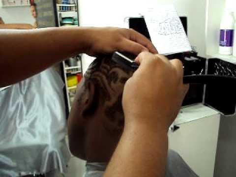desenho no cabelo com navalha