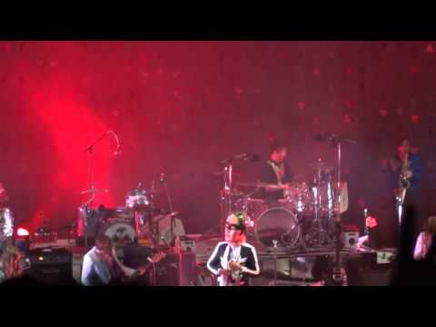 Arcade Fire - Hey Tonight (creedence Clearwater Revival Cover) - Shoreline Amphitheatre video