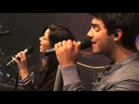 Demi Lovato + Joe Jonas - Wouldn't Change A Thing -  Walmart Soundcheck 2010 Music Videos
