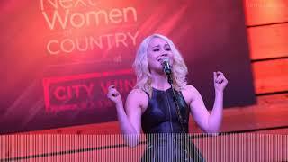 Download Lagu What RaeLynn Said About Blake Shelton On The Voice Gratis STAFABAND