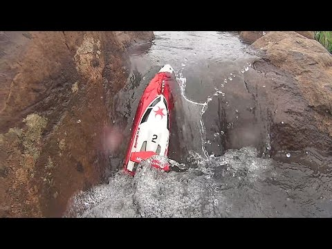 RC Boat FT007 Full challenge on the rocks crazy fun video (1080 60p)