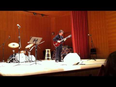 Howard Alden performs at the Guitar Heroes exhibit @ the MET (1/2)
