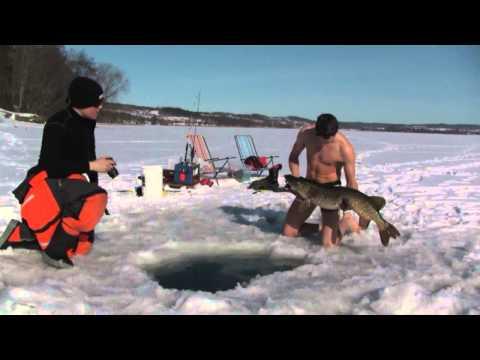 зимния ловля рыбы