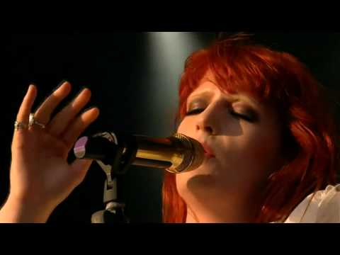 [HD] Florence + The Machine - The Chain (GF 2010)