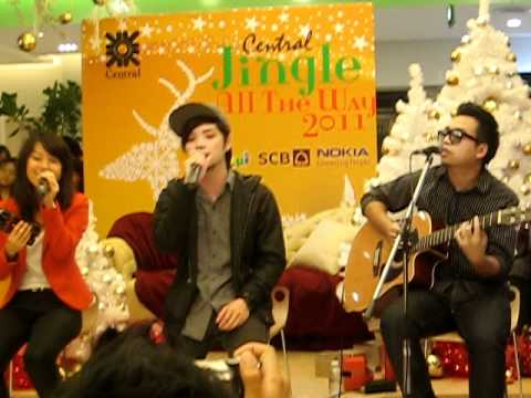 Lucky  cover by room39 @Central Chidlom 26/12/53