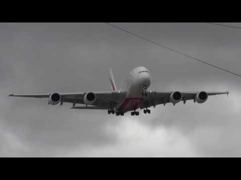 Amazing cross-wind landing by Emirates aircraft at Manchester airport.