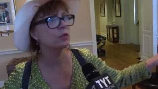 "Susan Sarandon Slams ""Disgusting"" DNC Crusade Against Bernie"