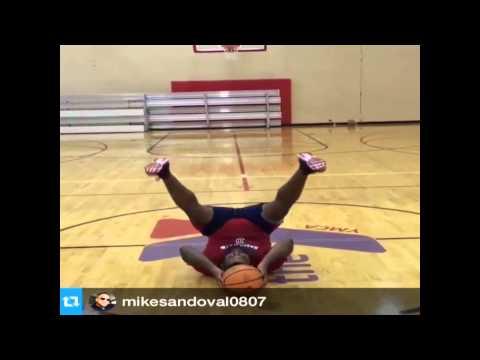 Pablo Sandoval Has An Interesting Way Of Shooting Half-Court Shot