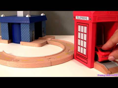Cars 2 London Figure 8 Track Playset Wood Collection Disney Pixar toys Lightning McQueen Launcher