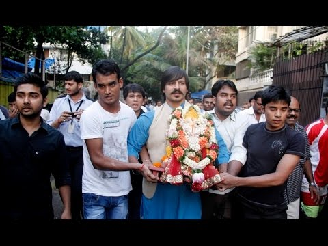 Vivek Oberoi Out For Ganpati Visarjan