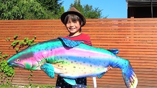 魚つり 巨大魚 ゲット!?? 人魚と対決 ママにスイカ隠された!!! おゆうぎ こうくんねみちゃん