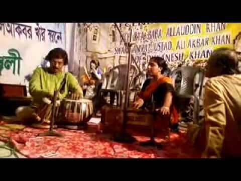Rangi Saari Gulabi (Dadra) by Manasi Maitra