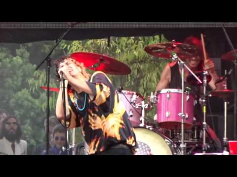 """Julian Casablancas Milli Vanilli cover """"girl you know it's true"""" new song Beach Goth day 2 2015"""