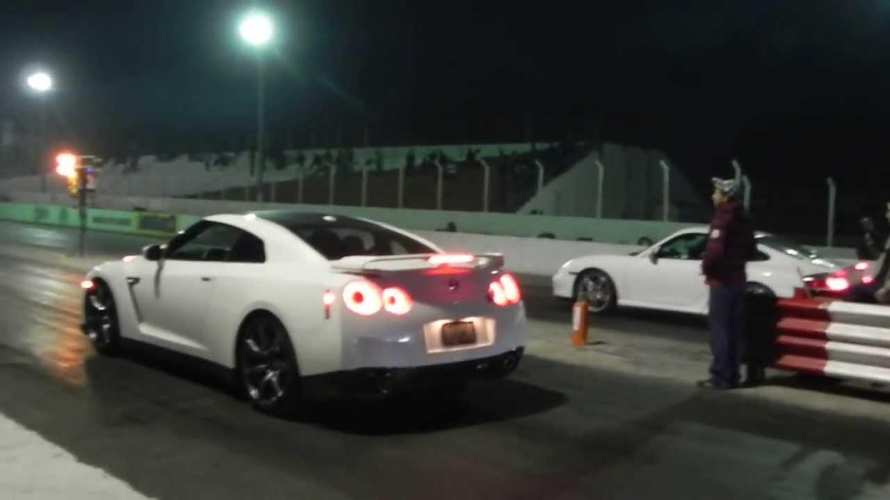 Nissan Gtr Saul Canelo Alvarez Vs Porsche Turbo Youtube