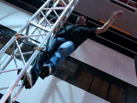 Max Giusti arrampicata libera sulle note della SuperMaxBand & Sarahjane Olog – Radio2