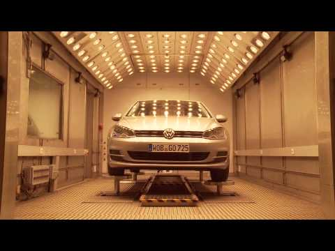 Volkswagen Golf Development - Hot and Cold Test | AutoMotoTV