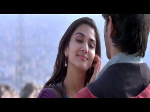 Vaani Kapoor Kissing Sushant Singh Rajput In Suddh Desi Romance-hd video