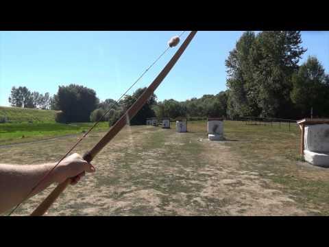 Shooting a 60 Pound 1950's Bear Cub Longbow
