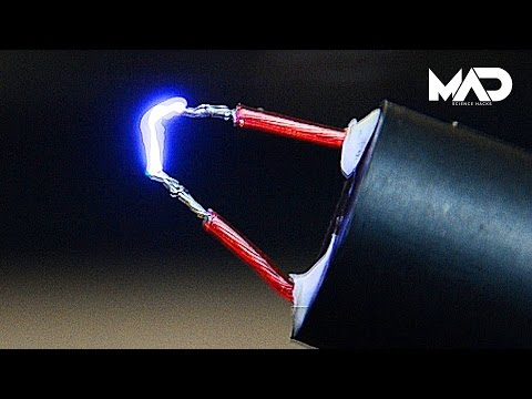 How to make a taser stun gun in 2 minutes (400000 volts!)