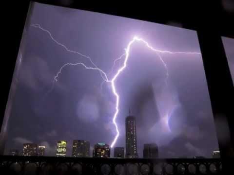 Toronto Lightning Storm, 24 August 2011 video