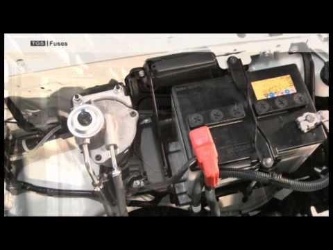 location  fuse boxes   toyota land cruiser  series