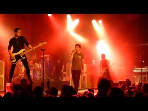 Simple Plan - Kiss Me Like Nobody's Watching (HD) @ Große Freiheit 36 Hamburg 12.03.16
