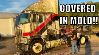 Extremely Satisfying Pressure Washing Video of Cabover