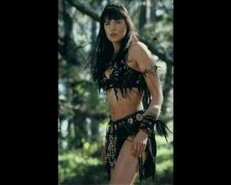 Lucy Lawless-3
