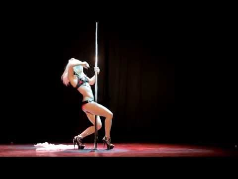 Stripper asiática bailando burla 2 7