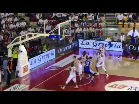 Quarti gara 3: Acea Roma-Acqua Vitasnella Cantù 74-70