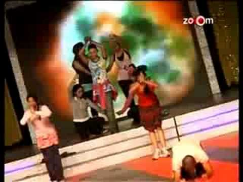 Item Girl Rakhi Sawant Performs At Rajiv Gandhi Awards On Patriotic So