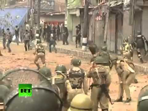 Protest Erupted At Srinagar In Endian Occupied Kashmir Against Endian Forces