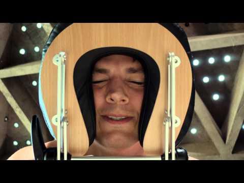 Lenovo YOGA Tablet 2 - Ashton Kutcher Massage