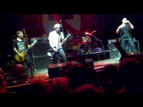Bad Religion - Requiem For Dissent (Live @ GlavClub, Saint-Petersburg, RUSSIA - 19.07.2010)