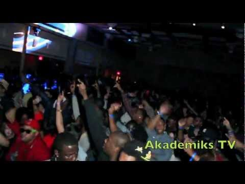 DJ Frosty - Flocka -- Rutgers NEW BRUNSWICK Version w/ DJ Wallah -- AKADEMIKSTV