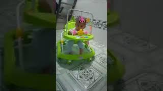 Bé yêu gần 8 tháng tuổi thích được chơi cùng xe