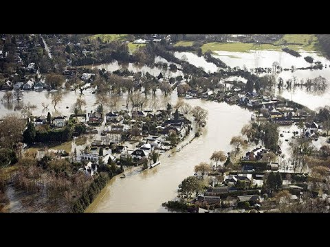 Aerial footage shows extent of flooding along Thames