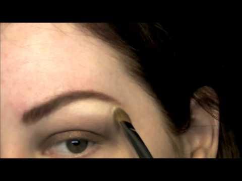 Smokey Eye & Kim Kardashian Nude Lips Video