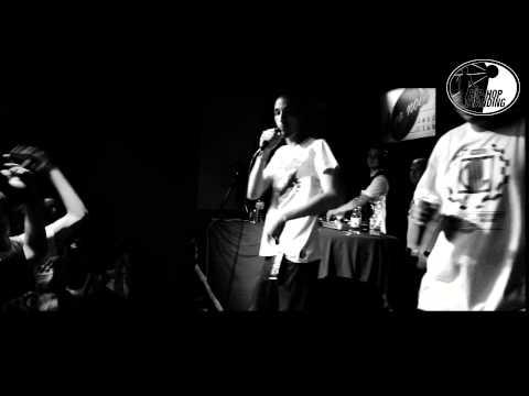 KUBISZEW feat. DE2S - MOJE PIERWSZE ŻYCIE - LIVE - Koncert RPS Hip-hop dla Sary 26.08.2012 Poznan
