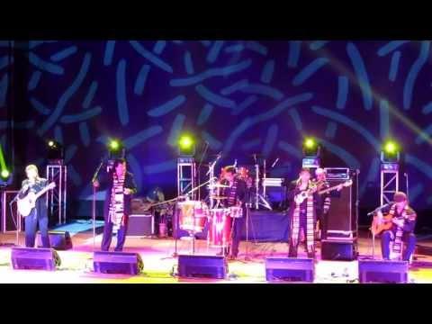 MÚSICA BOLIVIANA - SAVIA ANDINA - A LOS BOSQUES, VERBENITA, KALANCHITO, EL MINERO Y JACHA URU (LIMA 31-03-2013)