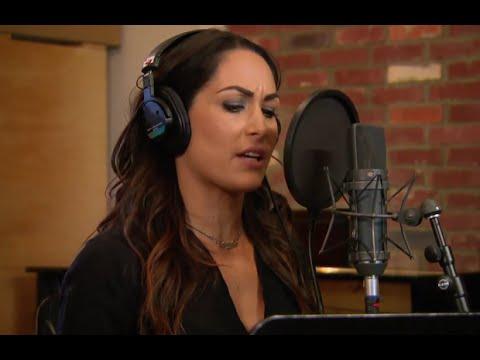 Total Divas Season 4, Episode 8 Clip: Brie Bella tests out her singing chops