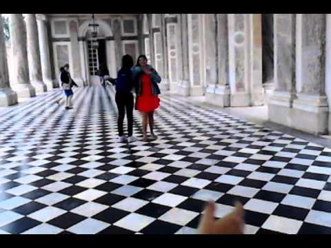 Dando vueltitas en el Palacio de Versalles!! :D