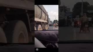 Tai nạn giao thông lật ô tô tại bắc cạn _ Người dân đập cửa kính cứu người