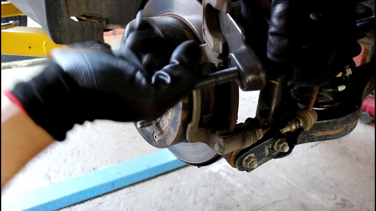Замена задних тормозных колодок на ix35 своими руками 44