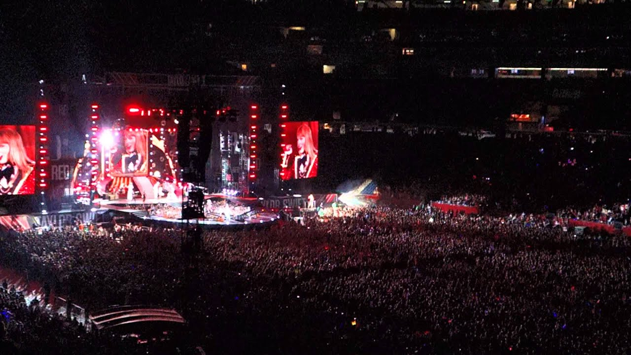 Red Tour Gillette