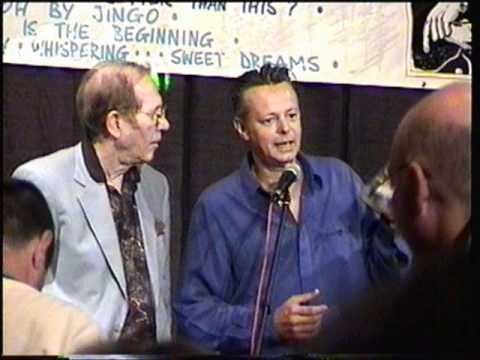 Chet Atkins presents Tommy Emmanuel his CGP award - THE RAREST VIDEO YOU'LL EVER SEE!!!